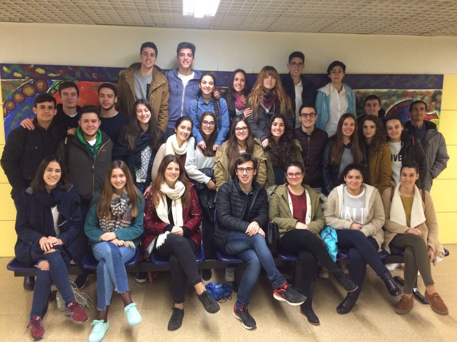 Alumnos de 2º de Bachillerato de Ciencias visitan el hospital Reina Sofía