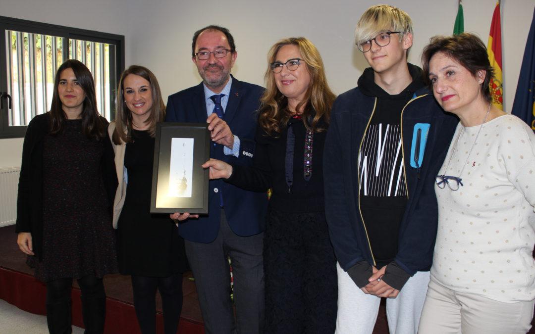 La Comisión Interinstitucional del Sida VIH otorga el Premio Pepe Espaliú al IES Emilio Canalejo Olmeda y a Aperfosa