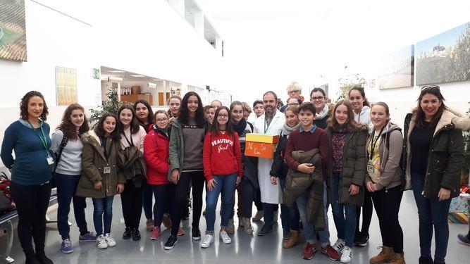 Pacientes del Hospital de Montilla hospitalizados durante Navidad recibirán cartas de ánimo escritas por alumnos de nuestro centro