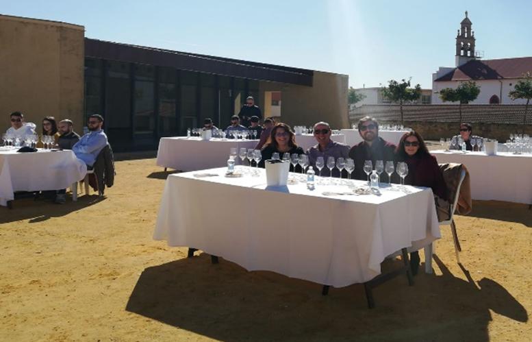 Cata Joven Dirigida con motivo del Día Europeo del Enoturismo en el Castillo de Montilla