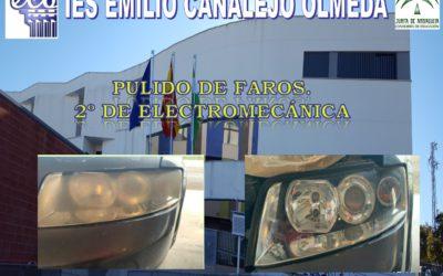 Trabajo sobre los faros de un coche realizado por el alumno Antonio Delgado