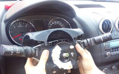Alumnos reparan problemas en un Nissan Qashqi J10